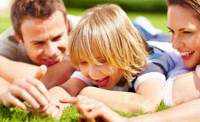 دوست بودن با بچه ها با انتقال آرامش و اطمینان