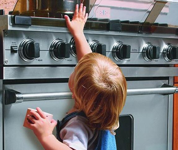 ایمن سازی منزل برای کودکان نوپا با انجام کارهای زیر