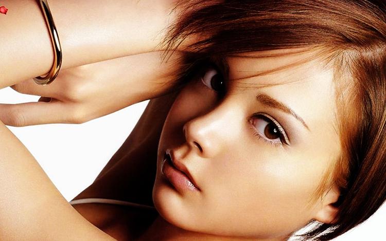 جذابیت زن ها با کدوم خصوصیات برای مردان بیشتر است؟