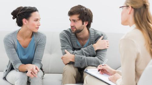 علت خیانت مردان امروزی در برابر زنان چگونه است؟
