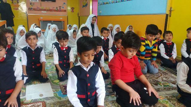 آشنا کردن کودک با مفاهیم دینی از چه زمانی باید آغاز شود؟