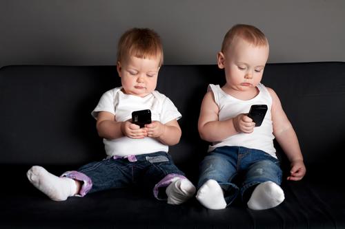 تاثیر تکنولوژی بر کودکان و کاهش اعتماد به نفس آنها