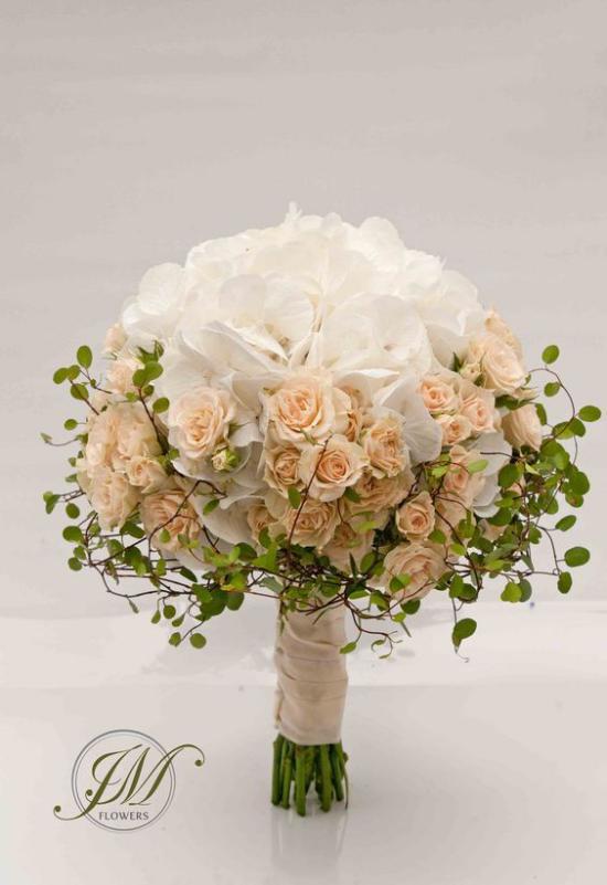 مدل دسته گل عروس با انواع طرح های جذاب و شیک برای عروسی تالار