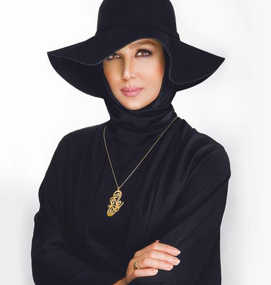 عکسی از مدلینگ شدن سوگل طهماسبی برای تبلیغ از جواهرات خود