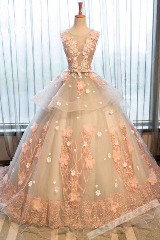 انواع متنوع از لباس نامزدی 2018 مناسب برای مدل های مختلف شنیون عروس