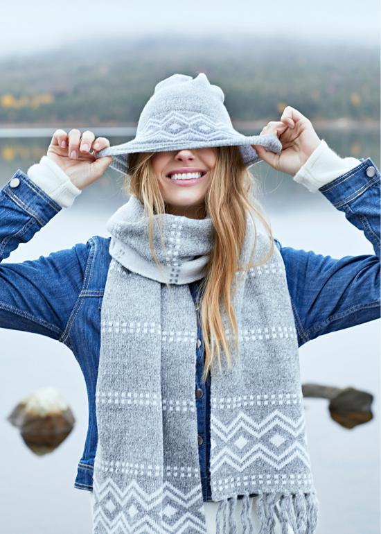 مدل کلاه بافت دخترانه با طرح های جدید برای دختر خانم هایی که مانتویی هستن در فصل سرد سال