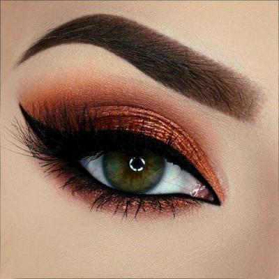 مدل ارایش چشم ملایم برای افرادی که قصد دارند آرایش ساده ای داشته باشند