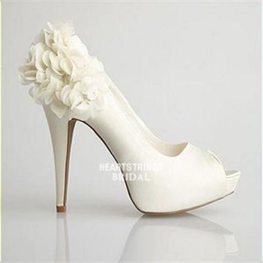 جدیدترین مدل کفش عروس که سال 2018 مد شده است