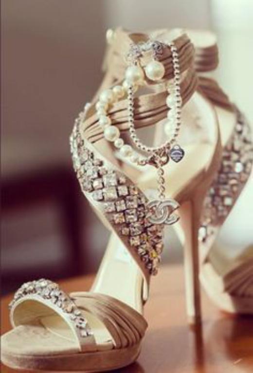 عکس کفش عروس شیک و زیبا فوق العاده خاص و دیدنی