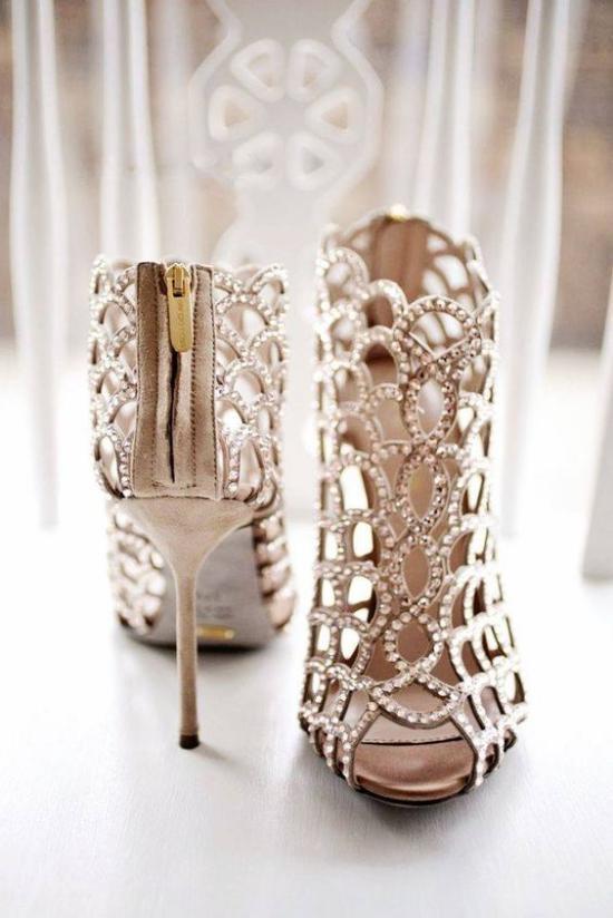 تصاویری از مدل کفشهای مجلسی 2018 زنانه و دخترانه با طراحی های زیبا