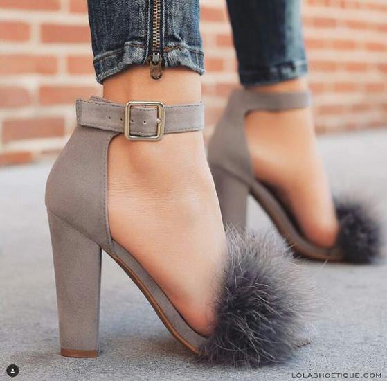 مدل کفش مجلسی پاشنه کوتاه برای افرادی که قد بلند دارند + تصویر