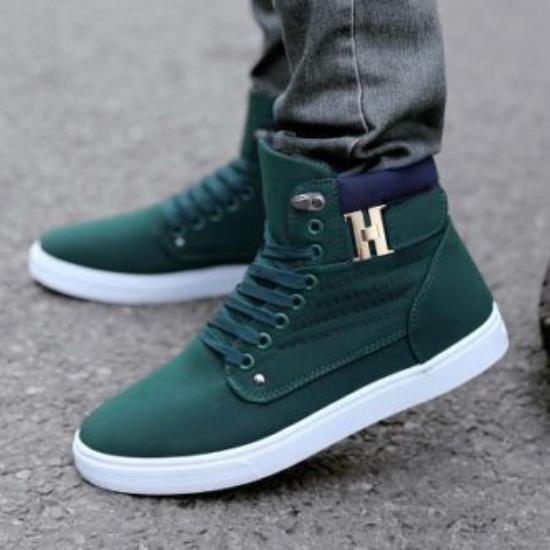 کفش اسپرت پسرانه ساده و شیک با طرح های جدید