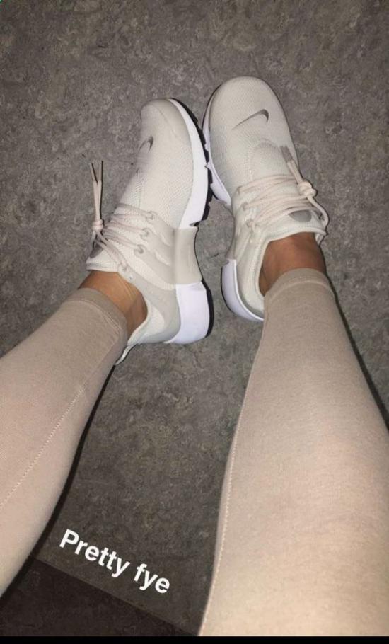 گالری از کفش اسپرت دخترانه برای افراد قد کوتاه