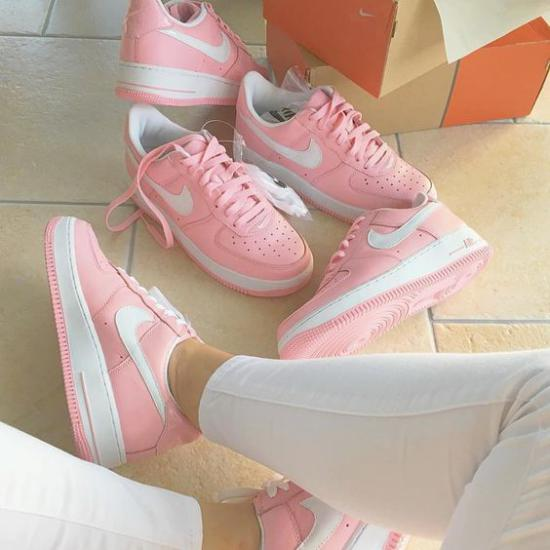 مدل کفش اسپرت زنانه جدید برای خانم هایی که تیپ اسپرت میزنند