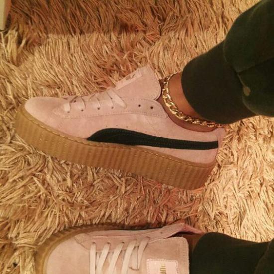 عکس کفش اسپرت جدید شیک مخصوص دخترانه جوان و خوش پوش