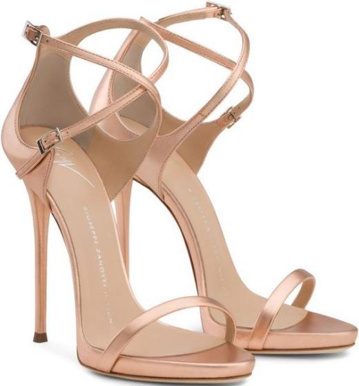 انواع کفش مجلسی زنانه و دخترانه راحت و شیک 2018