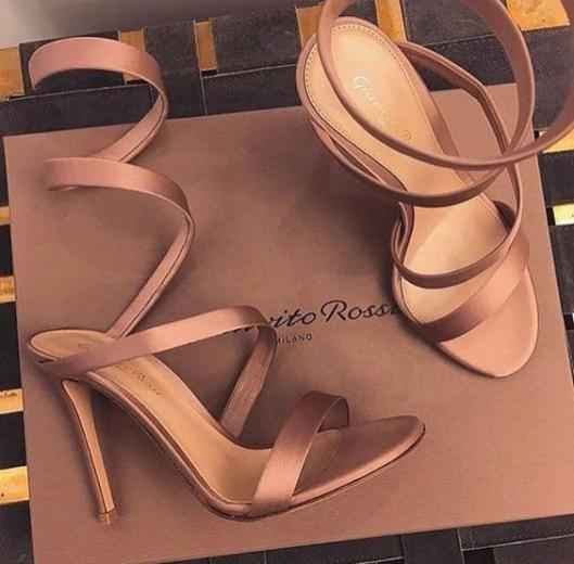 مدل کفش پاشنه بلند شیک و مجلسی با طرح های رسمی و اسپرت