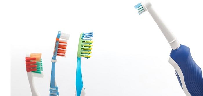 برای جلوگیری از پوسیدگی دندان از چه مسواکی استفاده کنیم
