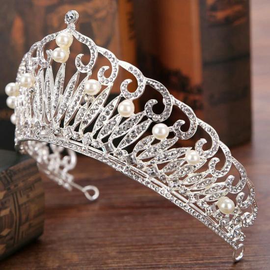 مدل تاج عروس ملکه ای با طرح های محلی بسیار شیک و متفاوت