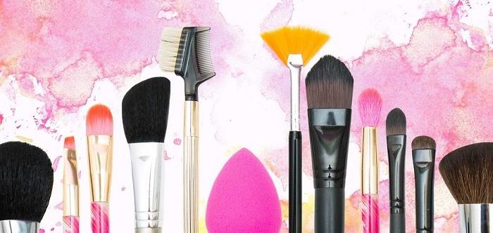 ضروریترین لوازم آرایش برای خانمها را بشناسید