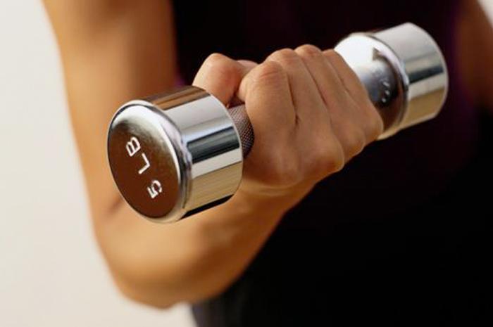فواید کار با وزنه ورزشی بر سلامت