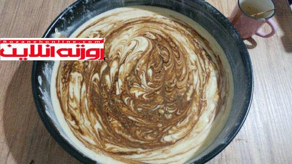 کیک اسفنجی با ترکیبی از قهوه و تمشک