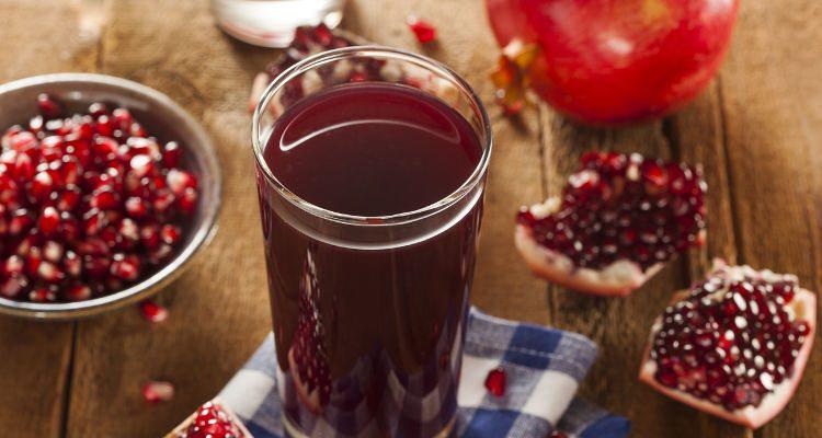 بهترین نوشیدنی شب یلدا : ملس انار و خرما