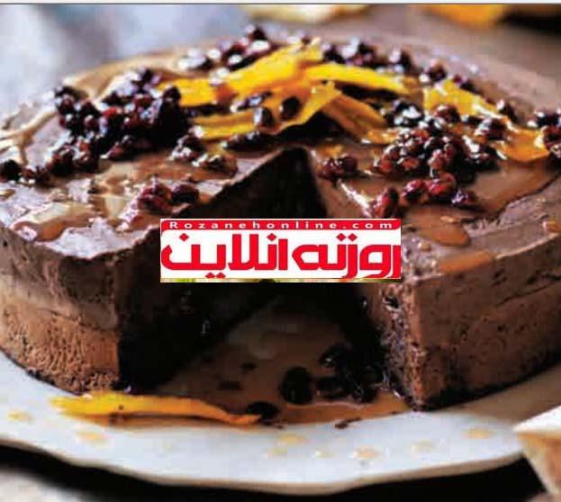 موس کیک شکلاتی با سیروپ انار