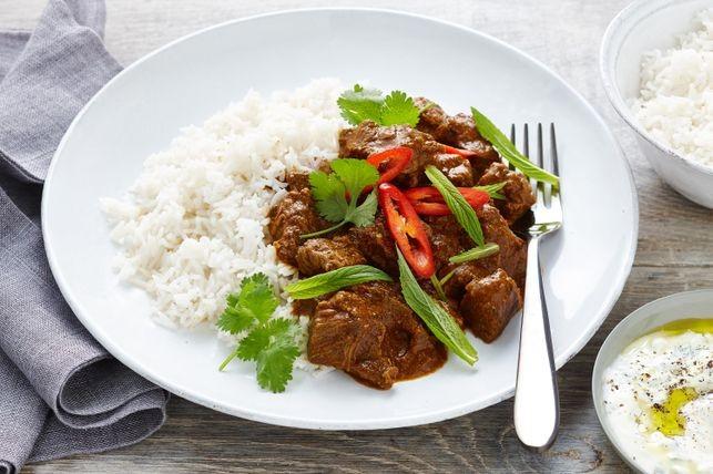 کاری گوشت را به سبک تایلندی درست کنید